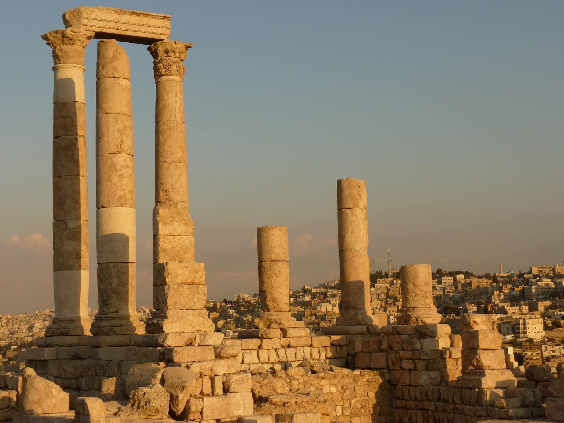 Direktflüge und Billigflüge ab Wien nach Amman
