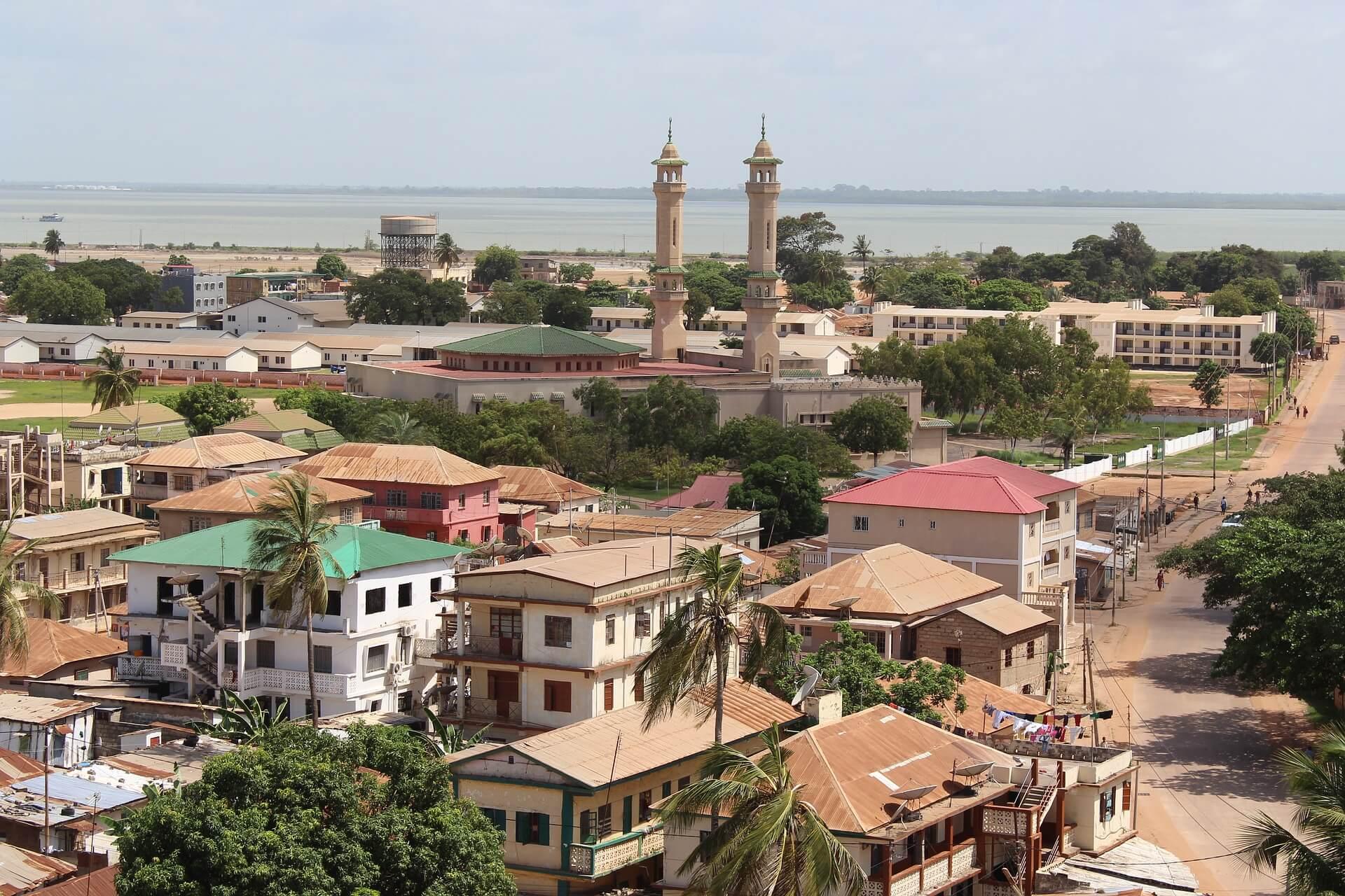 Direktflüge und Billigflüge ab München nach Banjul