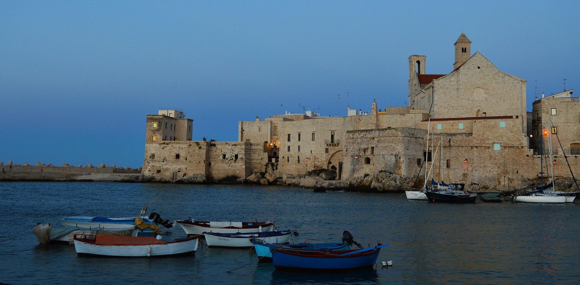 Direktflüge und Billigflüge nach Apulien