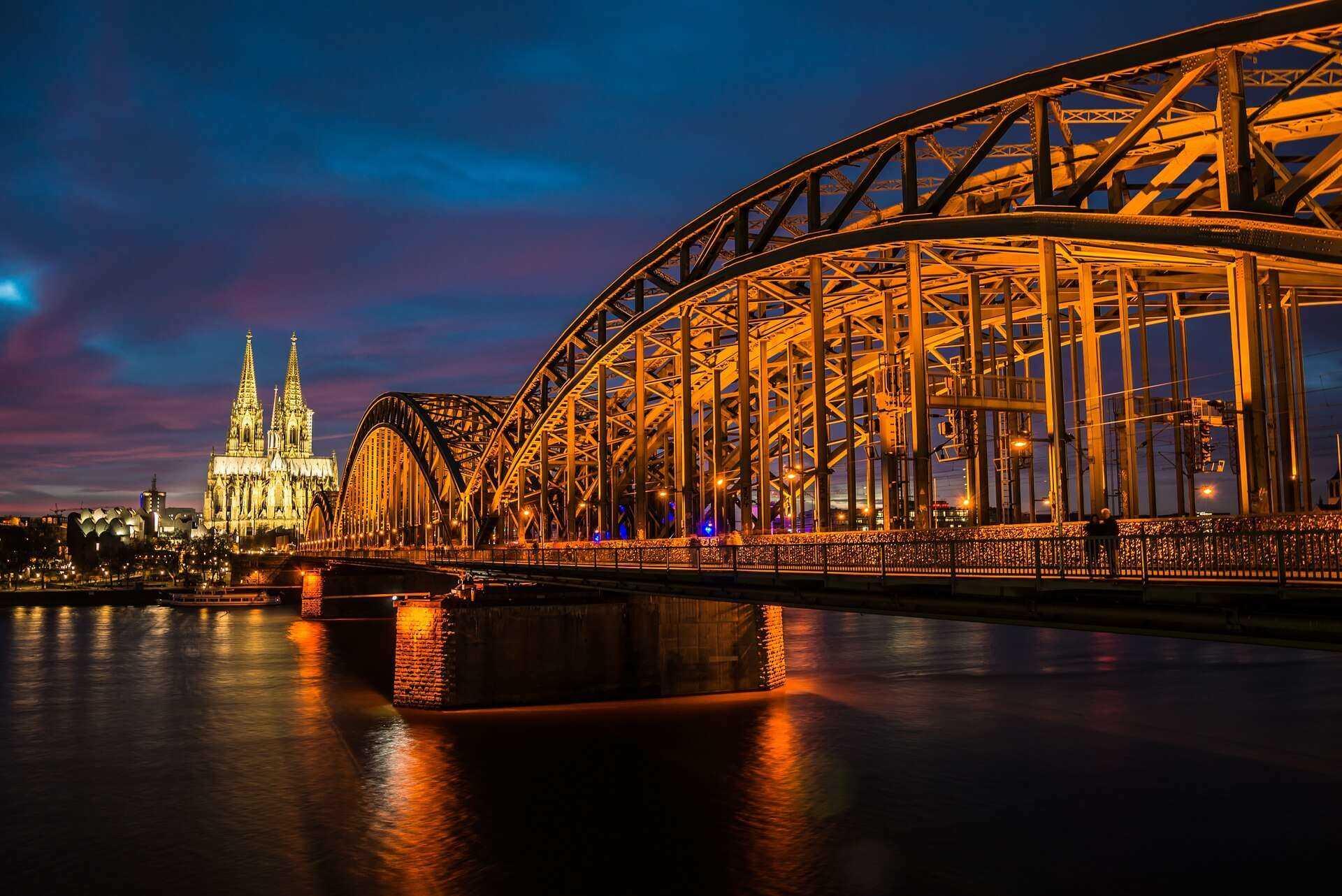 Direktflüge und Billigflüge ab Berlin-Tegel nach Köln/Bonn