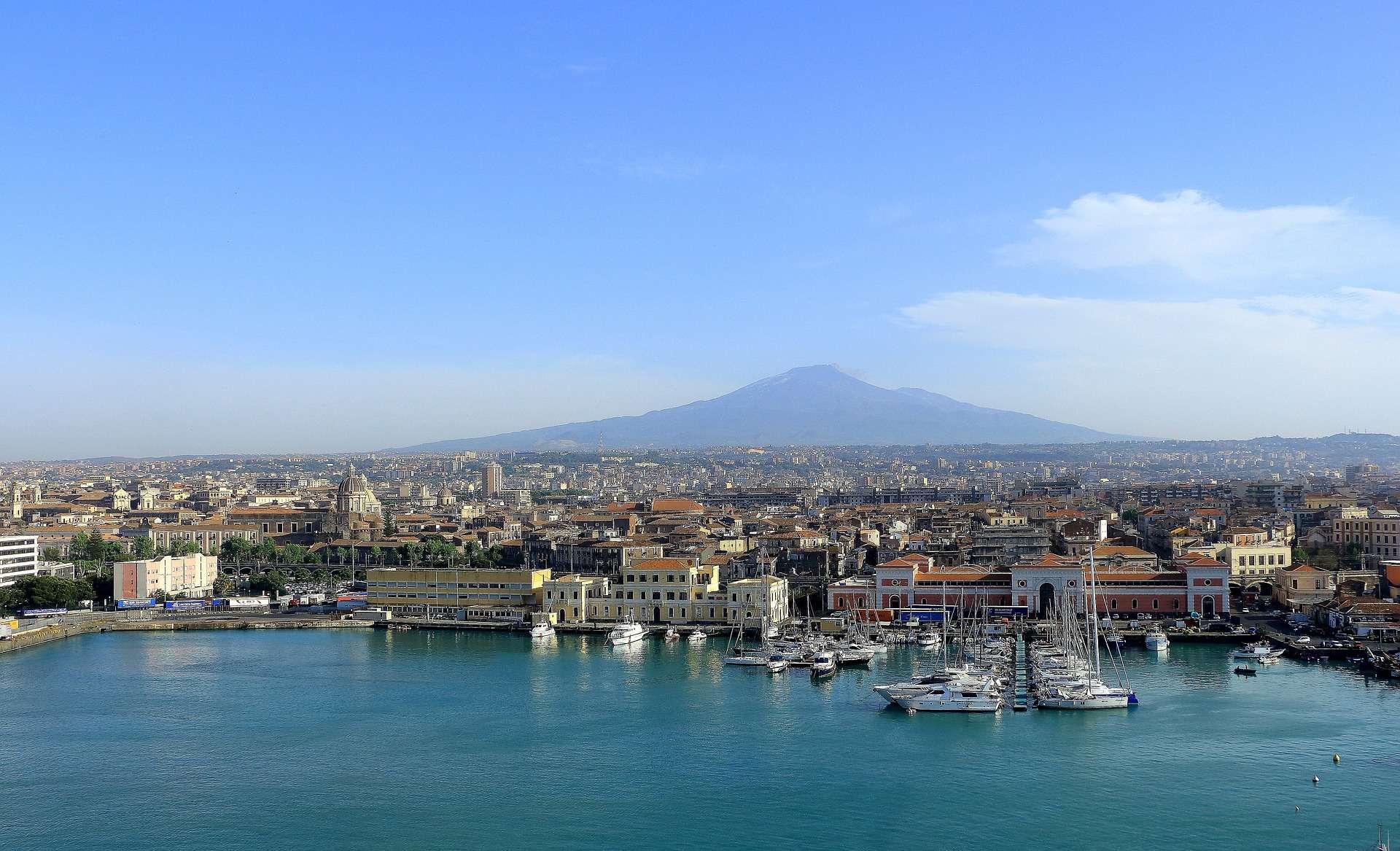 Direktflüge und Billigflüge ab Frankfurt nach Catania