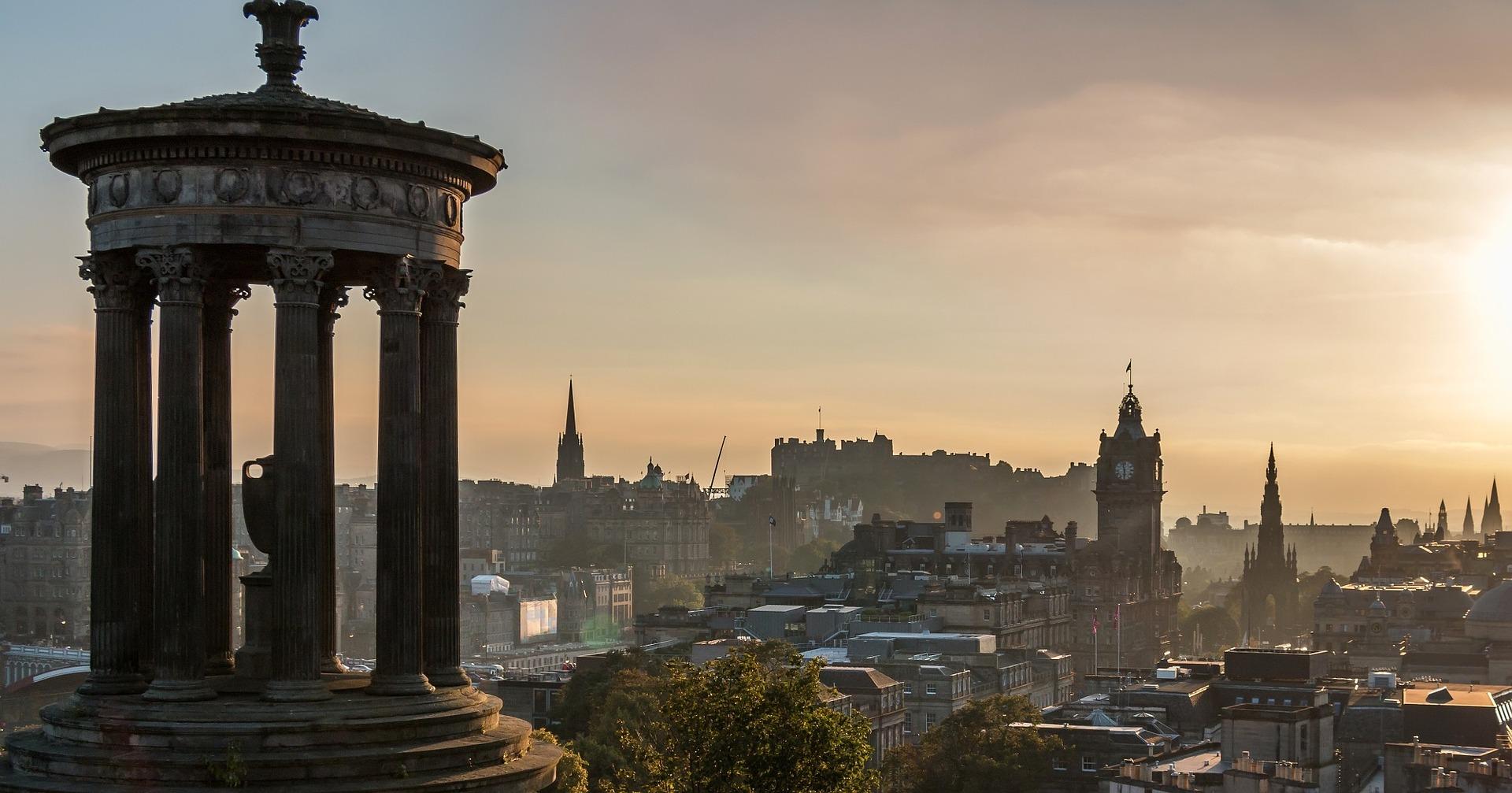 Direktflüge und Billigflüge nach Schottland