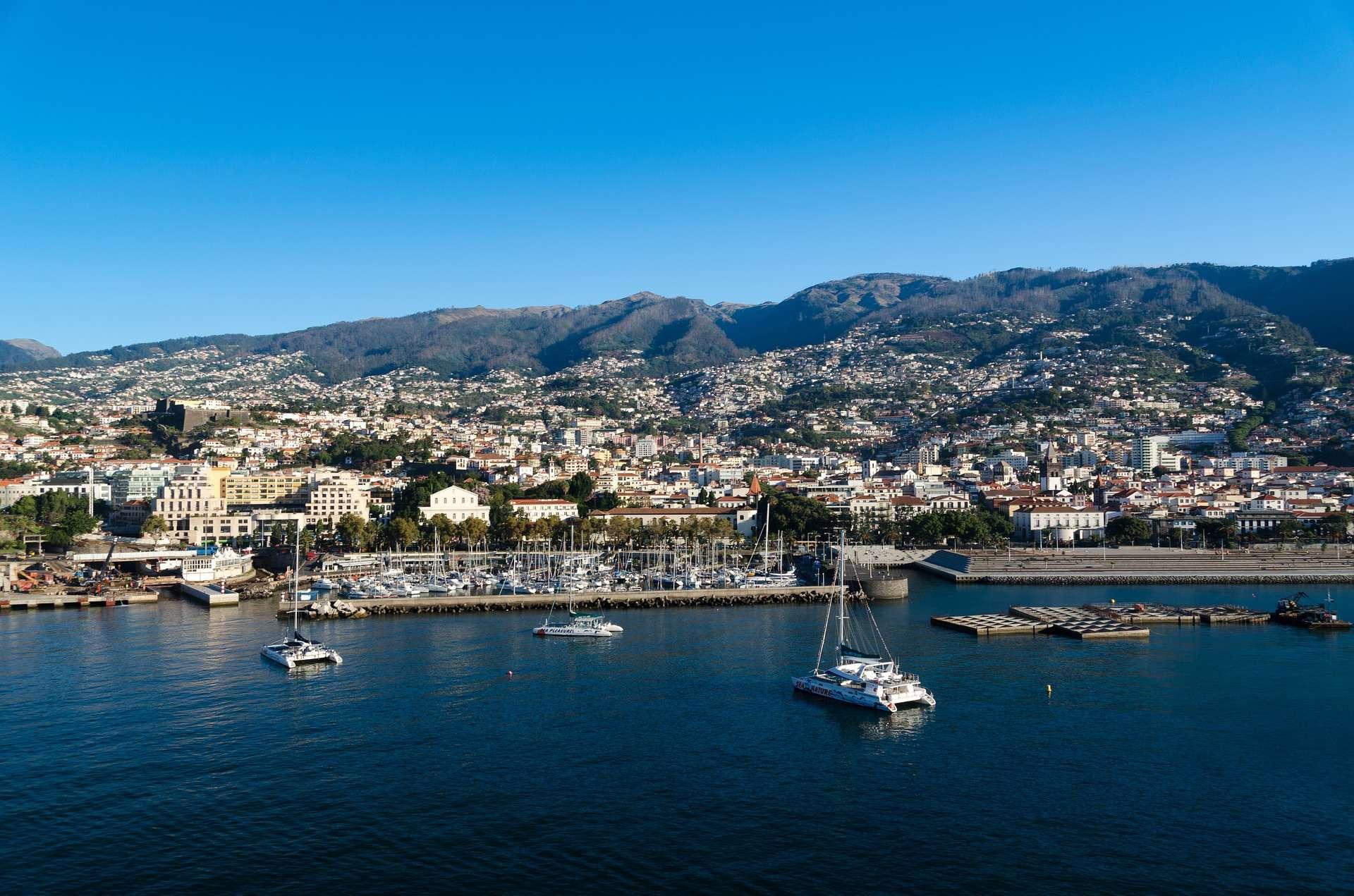 Direktflüge und Billigflüge nach Portugal