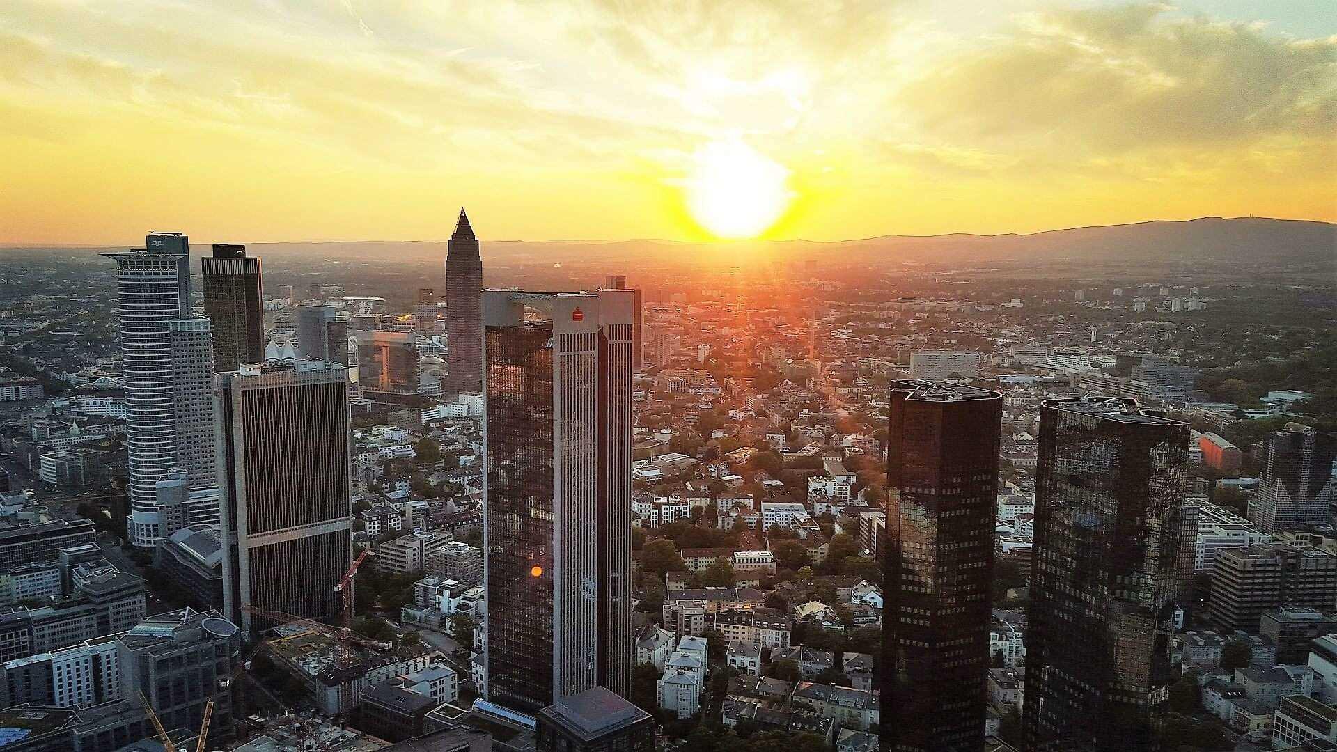 Direktflüge und Billigflüge ab Friedrichshafen nach Frankfurt