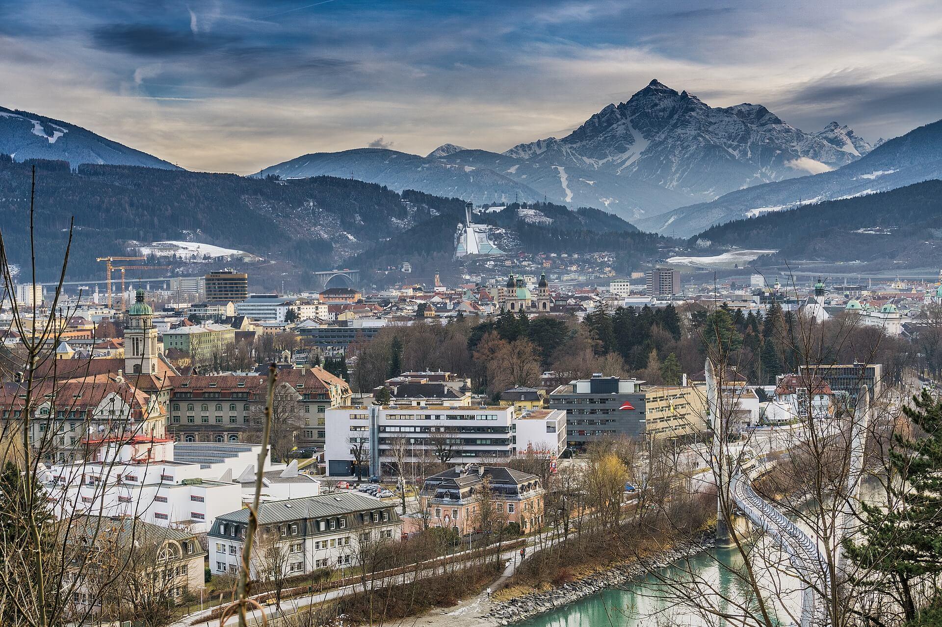 Direktflüge und Billigflüge ab Wien nach Innsbruck
