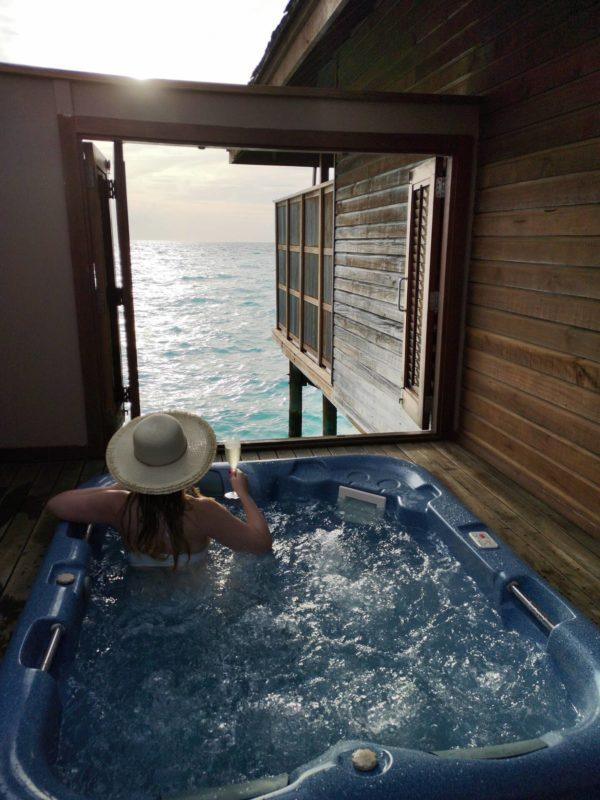 Jacuzzi Malediven Wasser Villa