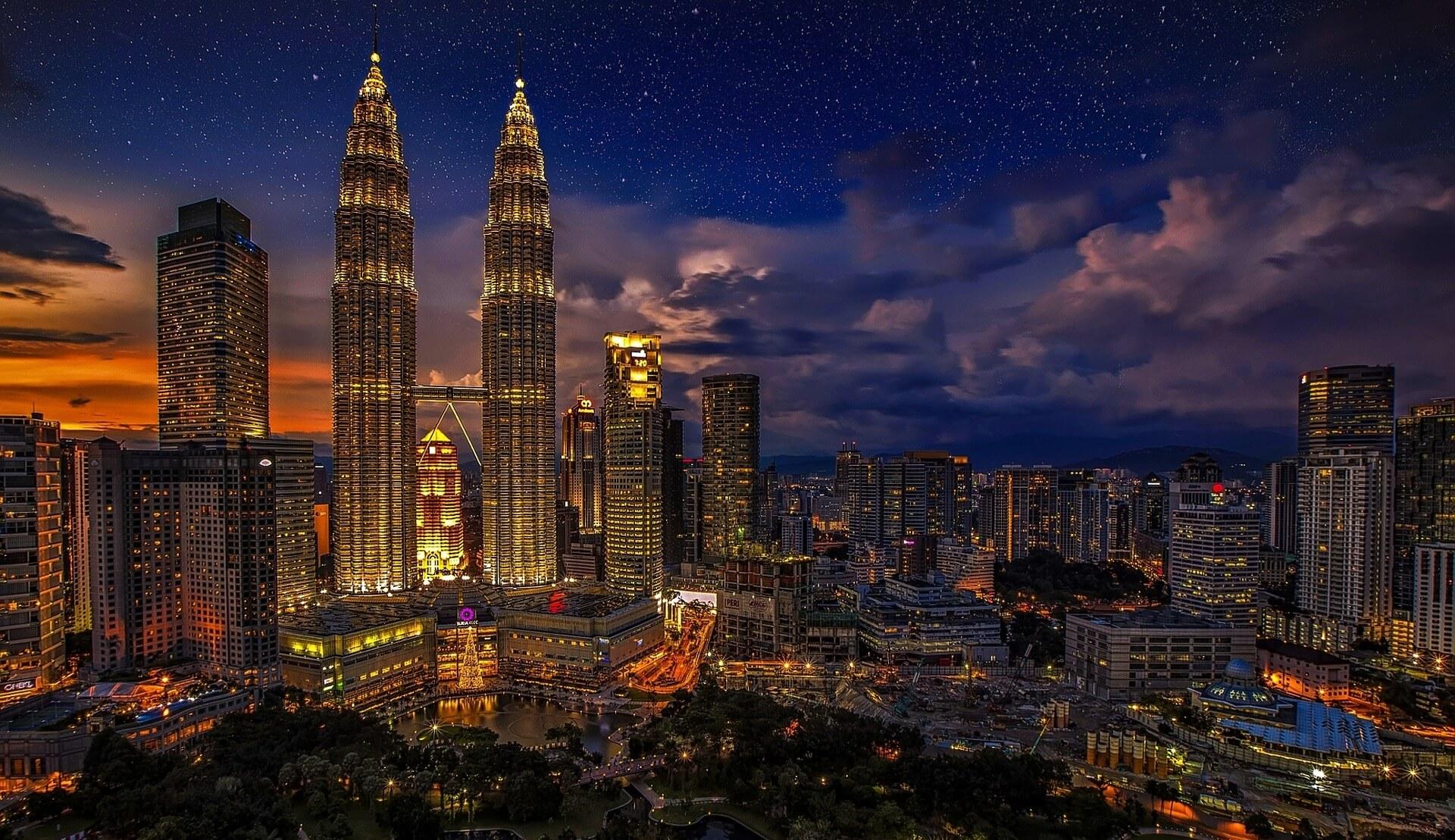 Direktflüge und Billigflüge ab Amsterdam nach Kuala Lumpur