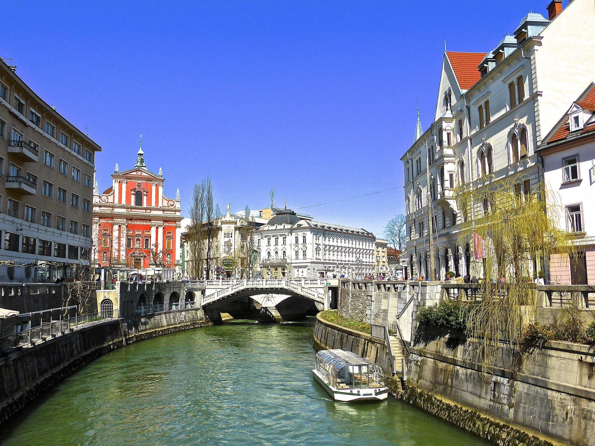 Direktflüge und Billigflüge ab Wien nach Ljubljana