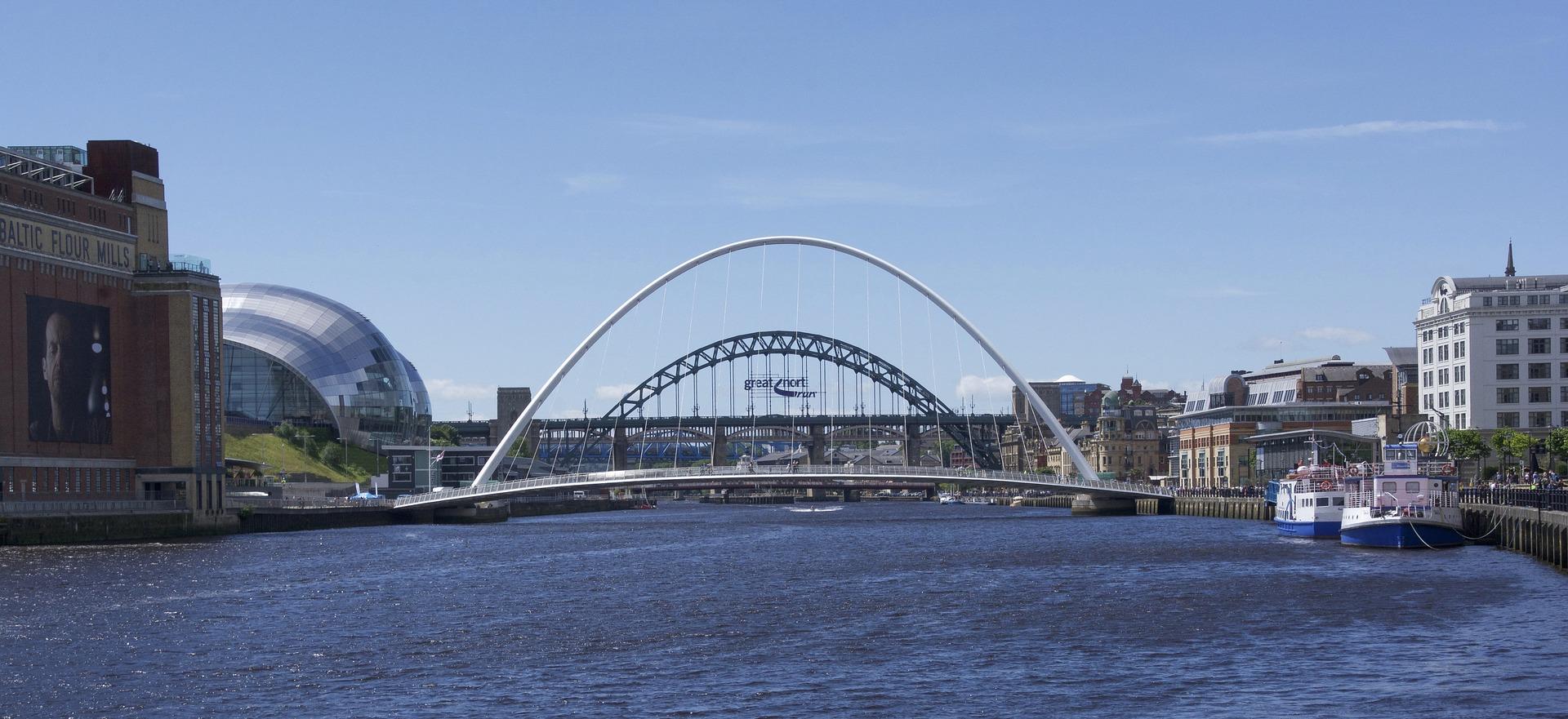 Direktflüge und Billigflüge nach Newcastle