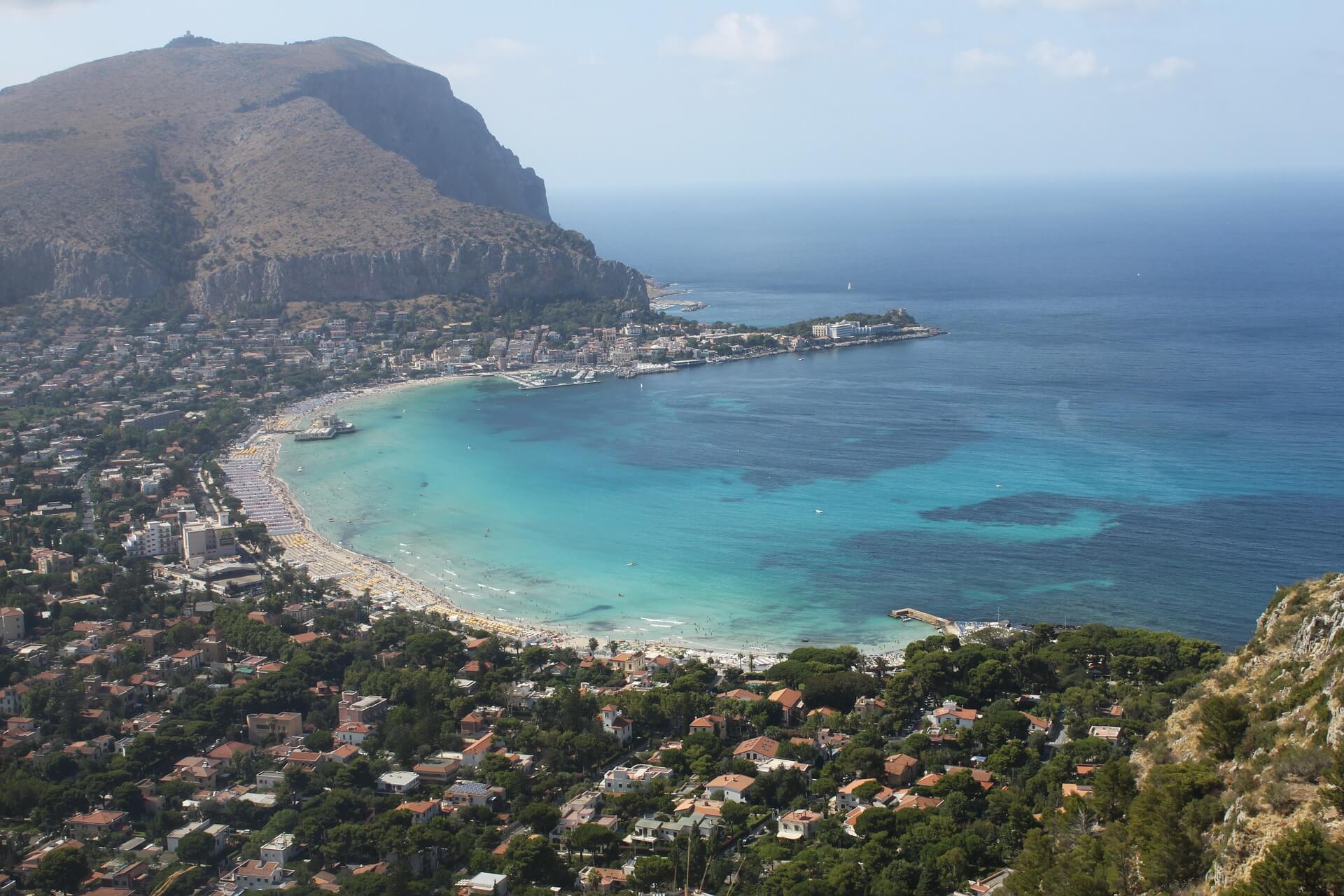 Direktflüge und Billigflüge ab Stuttgart nach Palermo