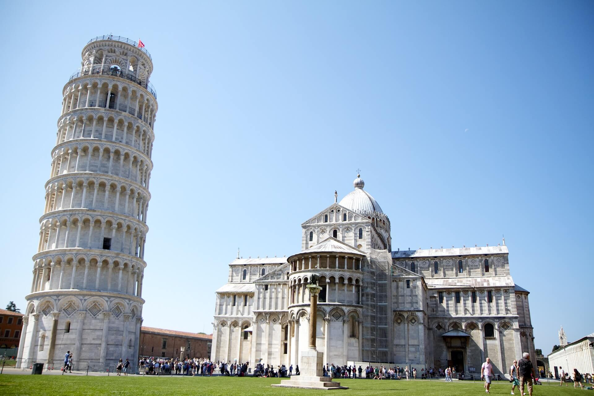 Direktflüge und Billigflüge ab Weeze nach Pisa