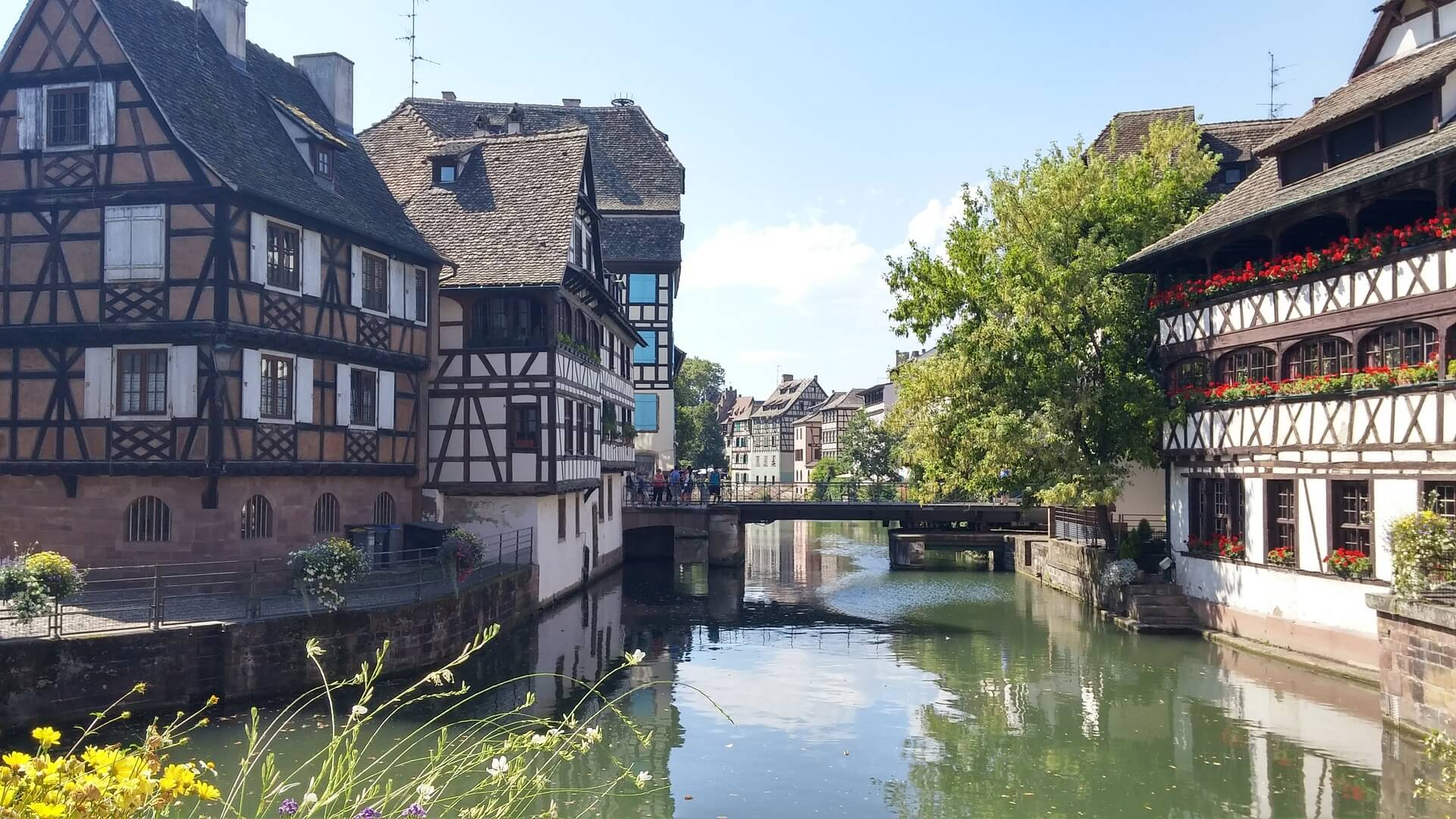 Direktflüge und Billigflüge ab Amsterdam nach Straßburg