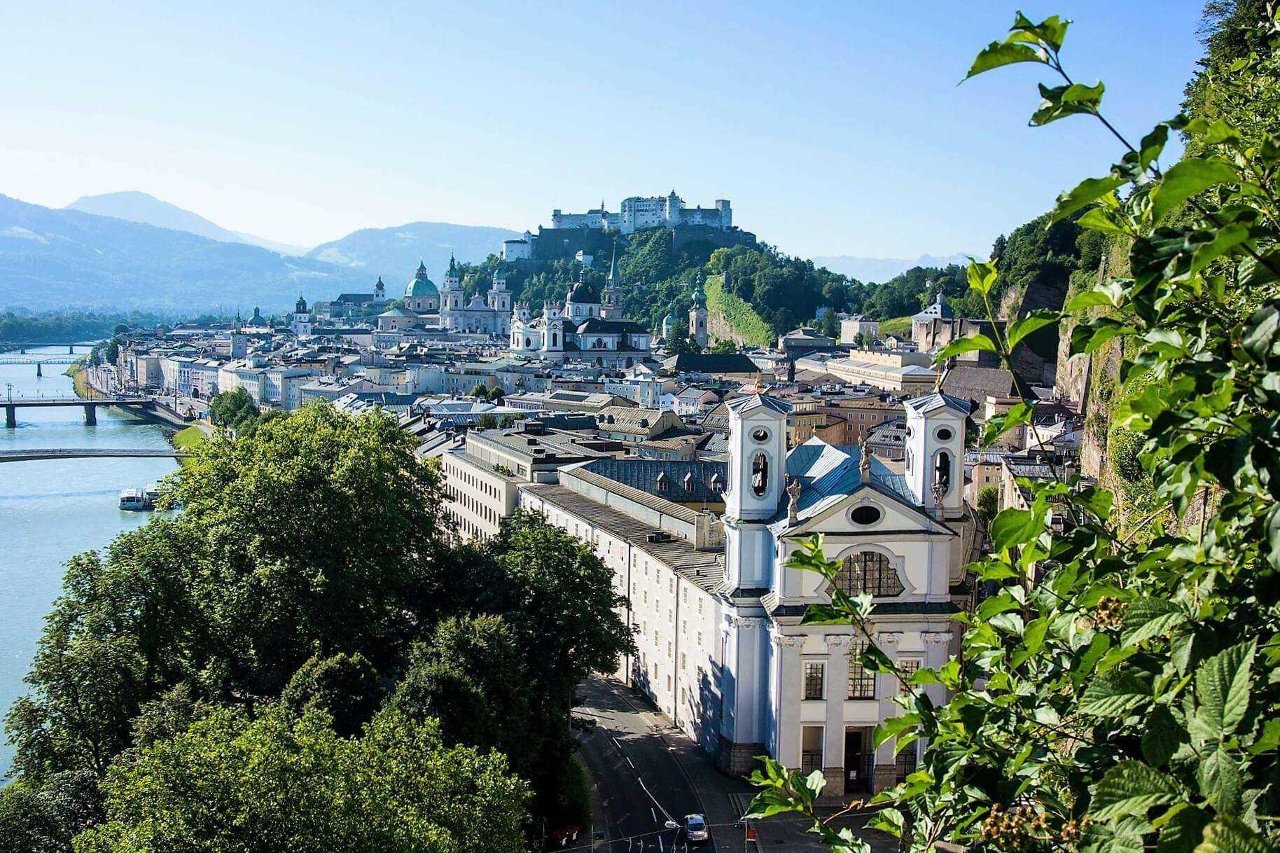 Direktflüge und Billigflüge ab Amsterdam nach Salzburg