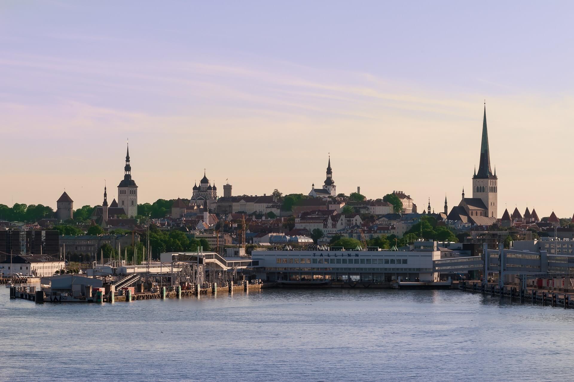 Direktflüge und Billigflüge ab Frankfurt nach Tallinn