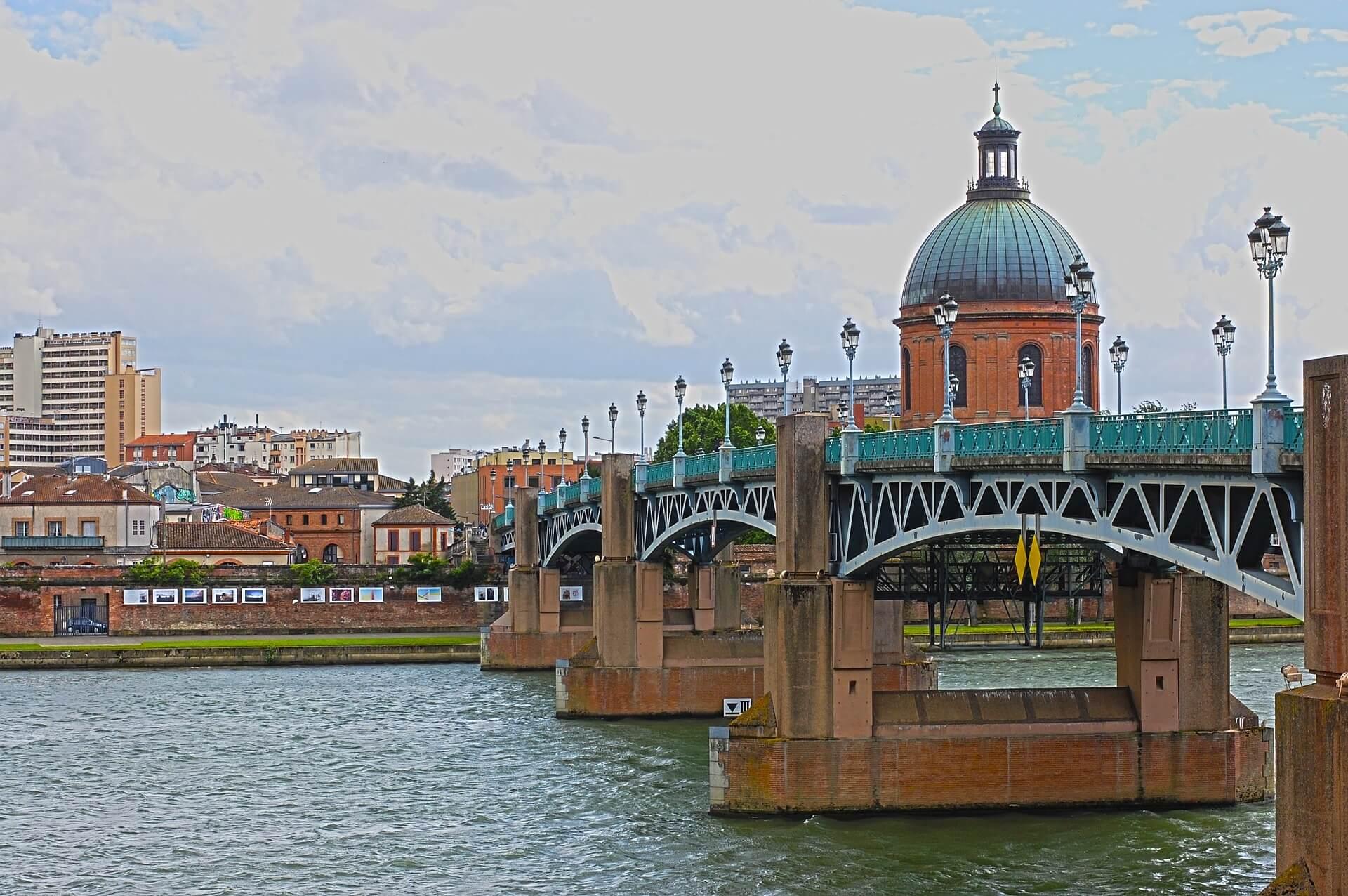 Direktflüge und Billigflüge ab Amsterdam nach Toulouse