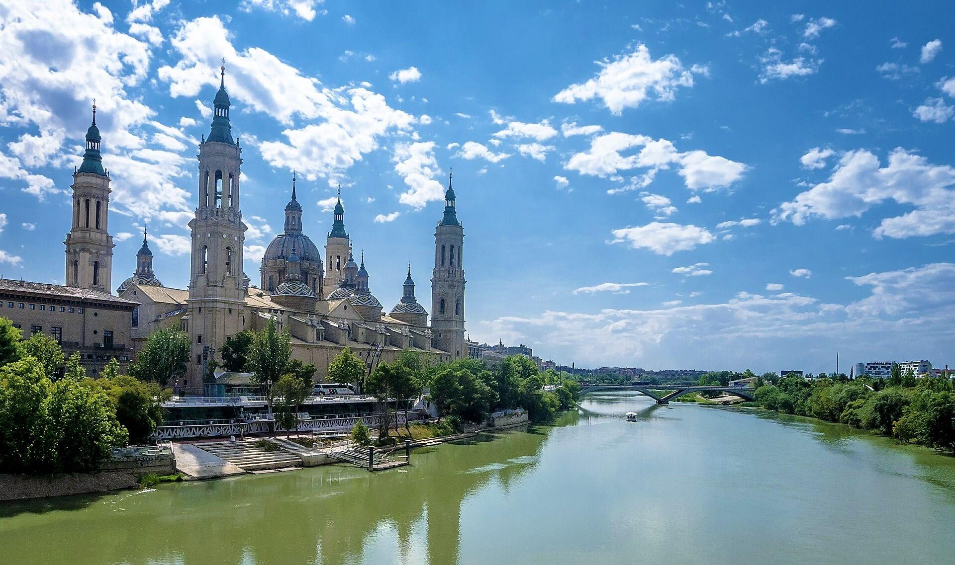 Direktflüge und Billigflüge ab München nach Saragossa